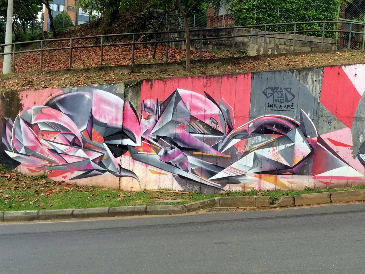 Gris One graffiti: left side