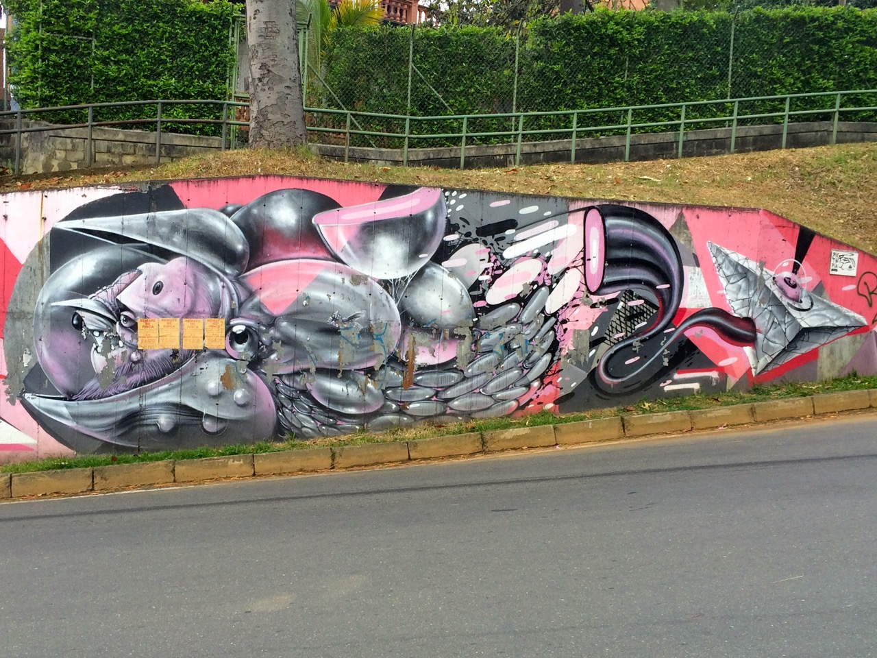 Gris One graffiti: right side