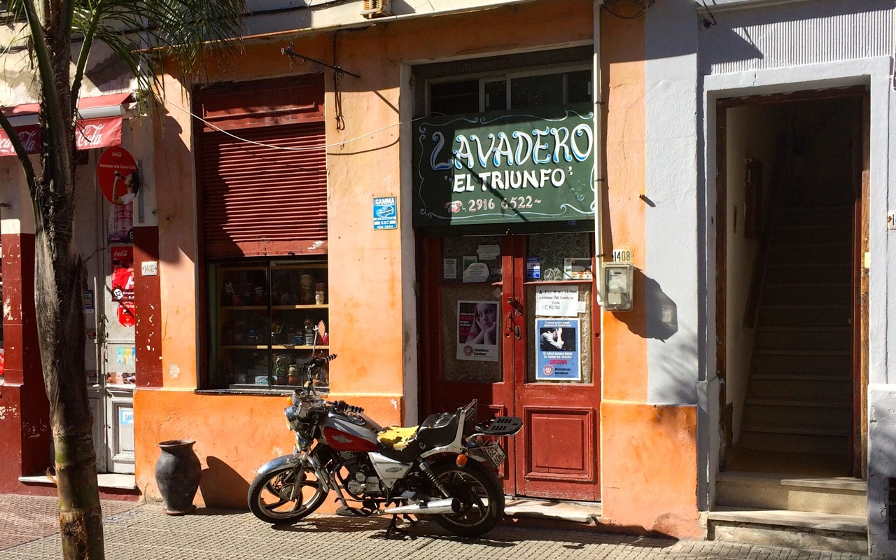 Typical lavadería in Ciudad Vieja