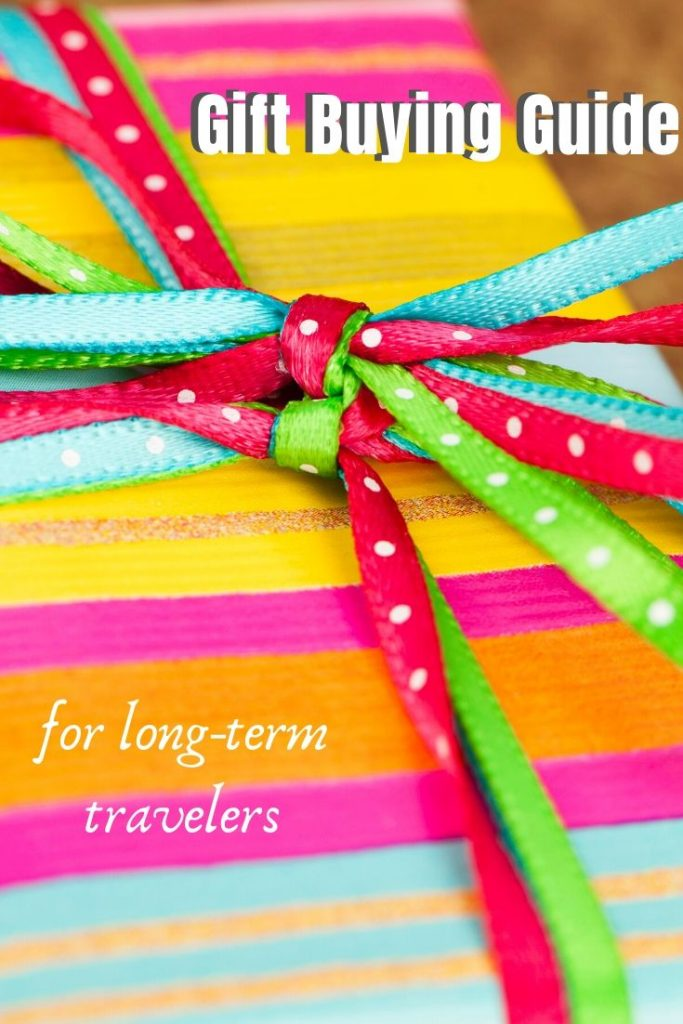 Gift Buying Guide For Long-Term Travelers