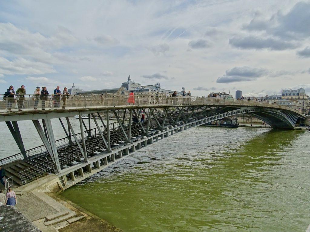 Pedestrian bridge in Paris