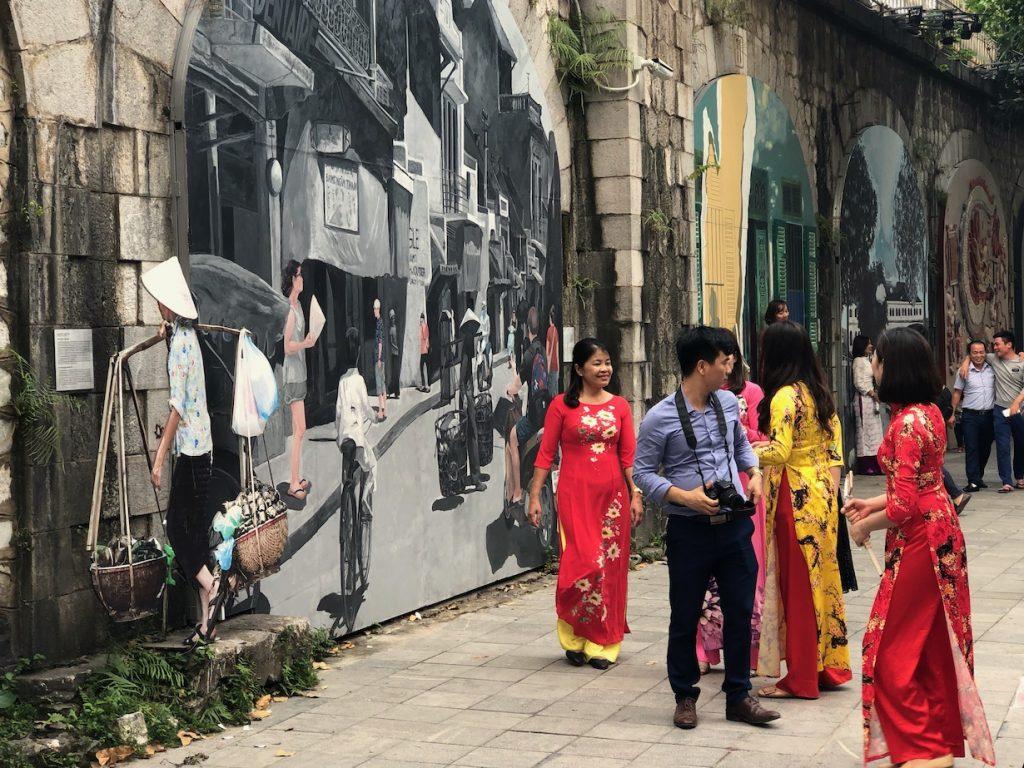 Phung Hung Murals